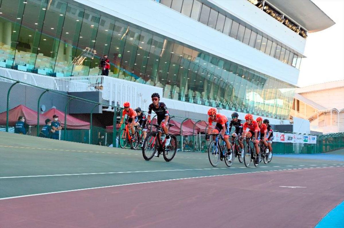 グループAは3チームが1勝1敗で並ぶ接戦からVC福岡が、グループBはスパークルおおいたがパーフェクト2勝で、それぞれ決勝へと進出した。